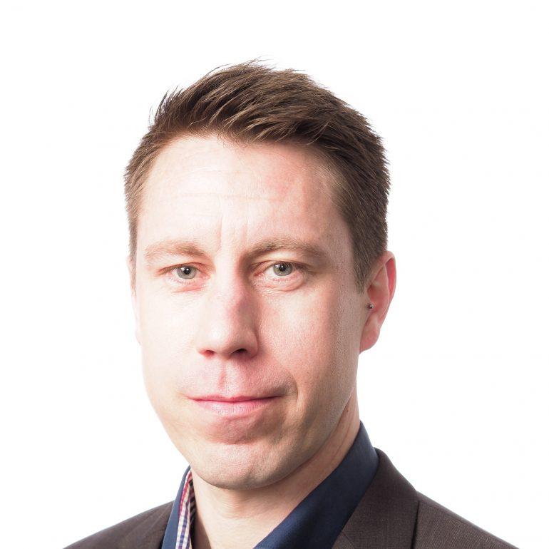 Patrik Lindblom henkilökuva